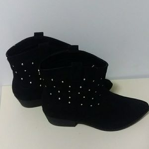 Circus by same Edelman black studded suede boots